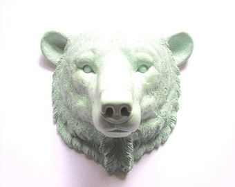 ICICLE BLUE Polar Bear Faux Taxidermy animal head wall mount wall hanging / arctic animal / kids room decor / adventure / Pietje Polar Bear