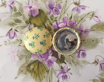 Fabric Covered Button Earrings / Yellow / Wholesale Jewelry / Bridesmaid Gifts / Stud Earrings / Gifts for Her