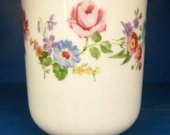Hutschenreuther Porcelain Vase, Bavaria ca 1955-1969