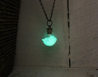 Candy Apple Green Glow Globe Magical Fairy Light Necklace