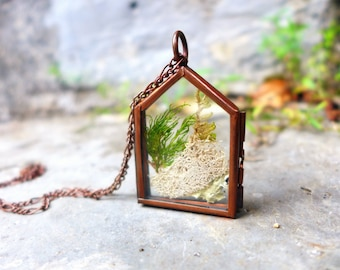 Green House Necklace, Lichen Terrarium Necklace Terrarium Moss Necklace Antique Locket Necklace Statement Necklace Enchanted Forest Necklace