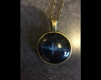 Necklace electrocardiogram