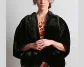 SALE- Vintage Stole . Faux Fur . Black Shawl . Wrap . Satin Lined