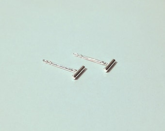 Bar studs - Bar earrings - Tiny sterling silver bar studs earrings (5mm)