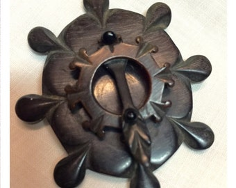Victorian Brooch / Antique Pin / Gutta Percha Mourning Jewelry
