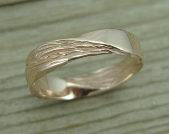 Rose Gold Mobius Wedding band, Mobius Ring In 14k Rose Gold, Wood Texture Wedding Ring, Modern Mobius Mens Wedding Band, Wood Bark Wedding