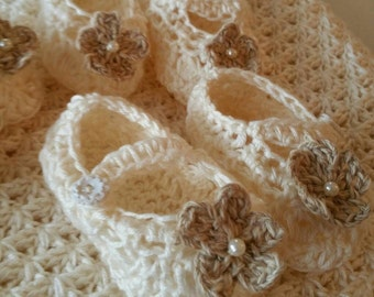Ivory Crocheted Baby Flower Booties