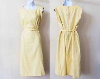 Lg - Light yellow fitted 60s sheath dress with matching belt