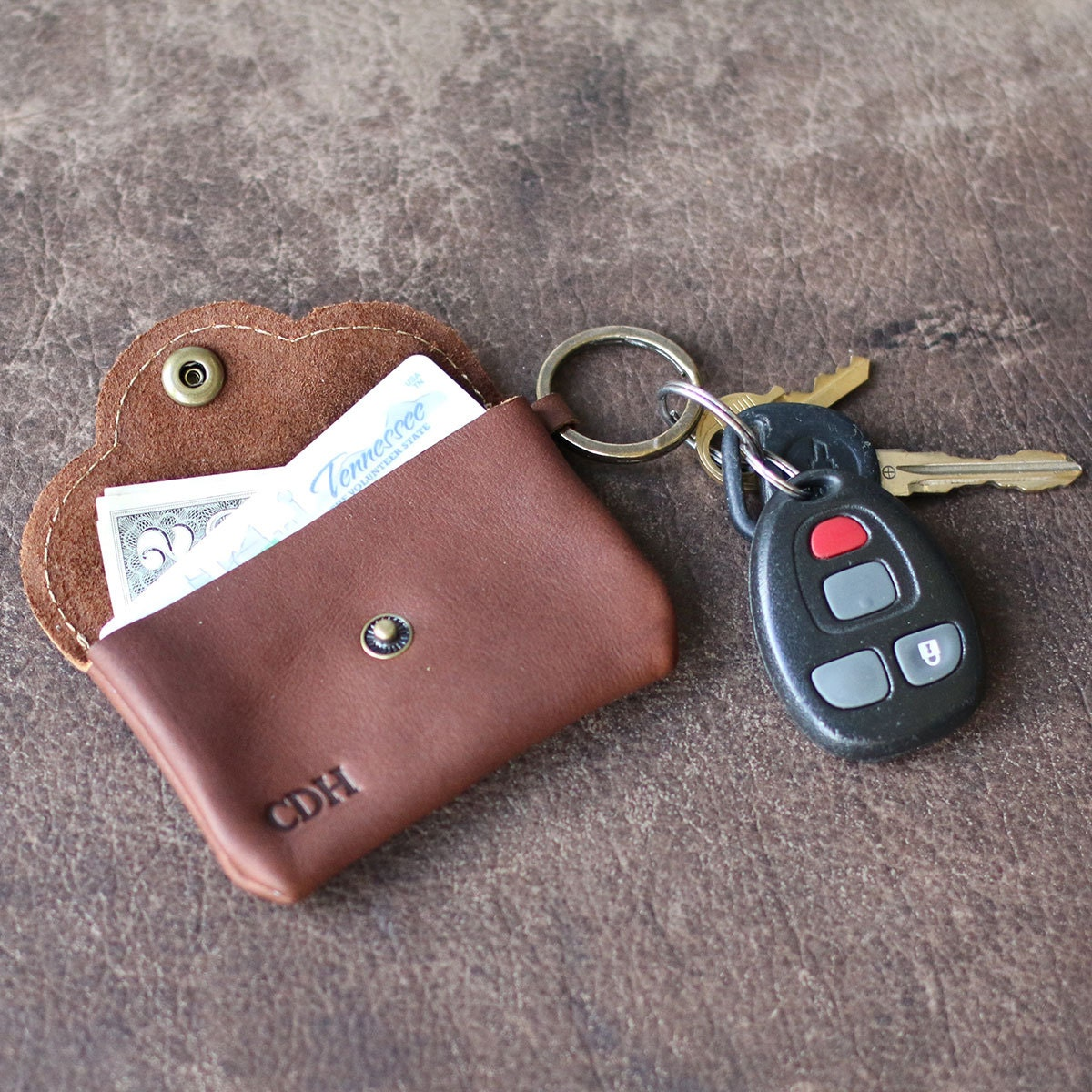 Rosie Fine Leather Scallop Keychain Card Wallet Key Chain Key