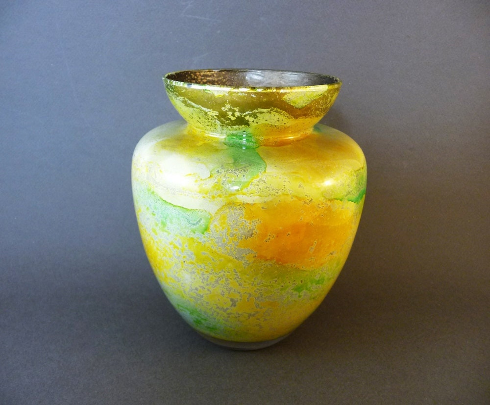 vase en verre souffl verrerie artisanale de biot vert. Black Bedroom Furniture Sets. Home Design Ideas