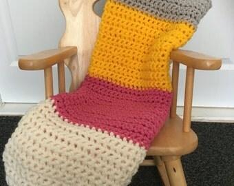 Crochet blanket, crochet throw, chunky throw, girl's blanket, striped blanket, striped throw, chunky blanket