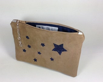 Flat pocket in suedette and star design with spangles