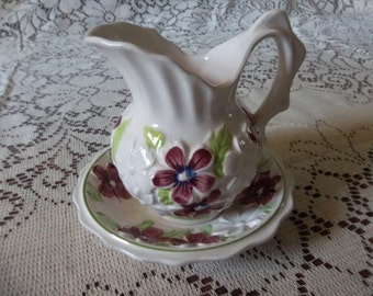 Enesco small pitcher and bowl with red and white raised flowers