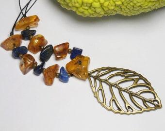 Amber leaf and lapis lazuli pendant necklace