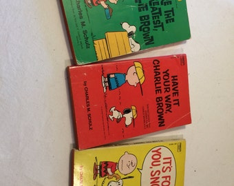 Peanuts books - Charles M Schultz - Charlie Brown  - Snoopy books - 1971 comic books - vintage snoopy - Peanuts