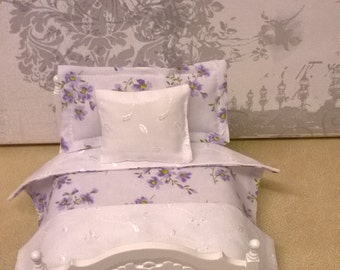 Handmade Miniature 1/12th scale dolls house BEDDING SET double bed.