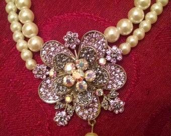 Vintage Glamorous Movie Star Faux Pearl, Lilac rhinestone and Aurora Borealis Rhinestone Necklace, Sophisticated Dress Up