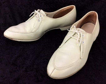 Women's Vintage White Cream Pointed Toe Dress Oxford Right Handed Bowling Shoes 8 1/2 8.5