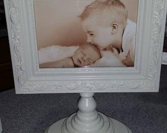 Cottage Chic  pedestal picture frame