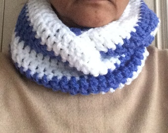 Crochet infinity scarf / crochet blue and white cowl/ striped cowl / crochet cowl scarf / crochet circle scarf