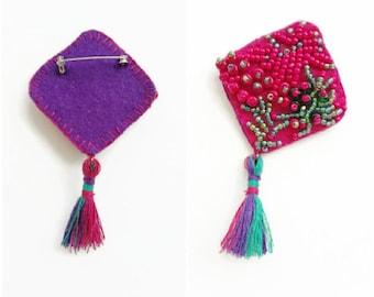 Vivid brooch, fuchsia brooch, tassel brooch, fuchsia tassel brooch, handmade brooch, pink purple brooch, pink green brooch, unique brooch,