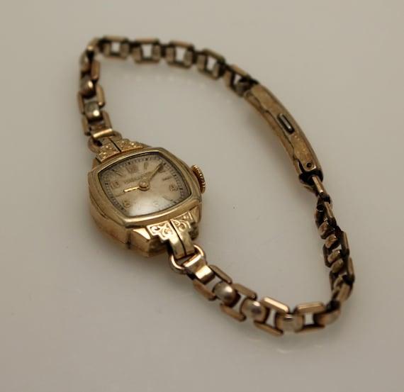 Vintage Bulova Ladies 10k Rolled Gold Plate Watch 1940s