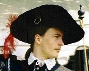 Cavalier Hat - Circle Brooch - Ostrich Feather - Black Felt SCA Hat
