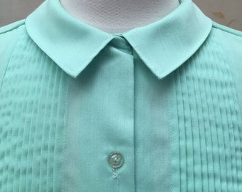 1960s vintage blouse with pintucks and peter pan collar cotton