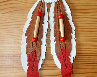 "Leather patch ""Native feathers"" with metal concho"