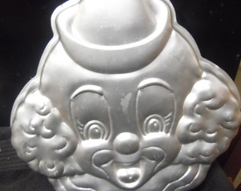 Clown face cake pan by Wilton