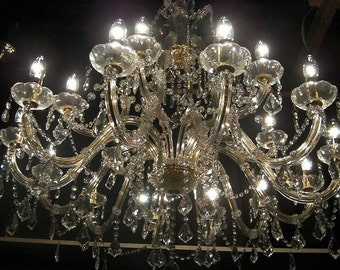 Truely Magnificent ~ Massive Metre Wide Crystal Chandelier ~ completely cleaned