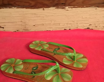 Pair of Hand Painted Strappy Wooden Thong Sandals Tiki Tropical Size 8