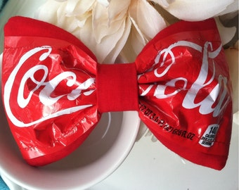 Coca-Cola 2 liter label bow
