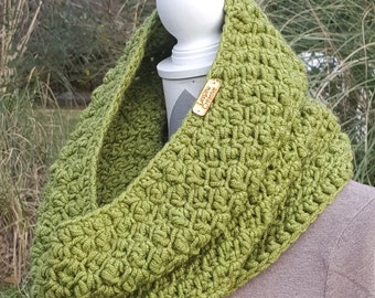Green Hooded Cowl Neck Scarf – Hand Crochet – Wool and Acrylic Blend