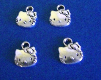 Hello Kitty Charms (4)