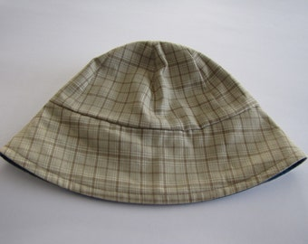 Reversible hat for boy.