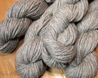 100% Alpaca Yarn ~ Silvery rose ~ 3-Ply Bulky