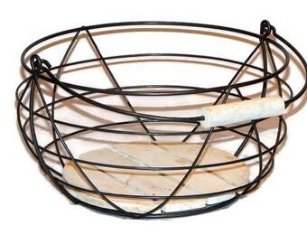 Wire garden gathering basket