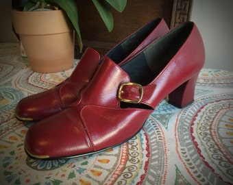 Vintage 1960's Red Leather Ladies Sears Low Heel Dress Shoes Size 8 Like New