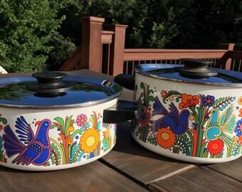 Vintage retro floral/bird enamelware pots - 1 large, 1 medium
