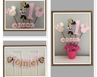 2 Minnie Mouse birthday decors. High chair banner and centerpiece