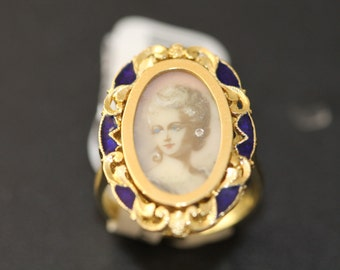 60% Off-Vintage 18K Handpainted and Enameled ring