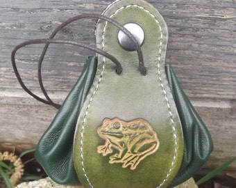 Leather  pouch, ,Frog design , vert anis/green( 16 colour to choose) , 2 sizes available
