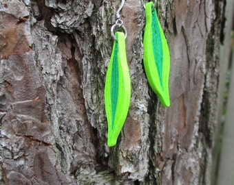 Paper quilling leaf earing