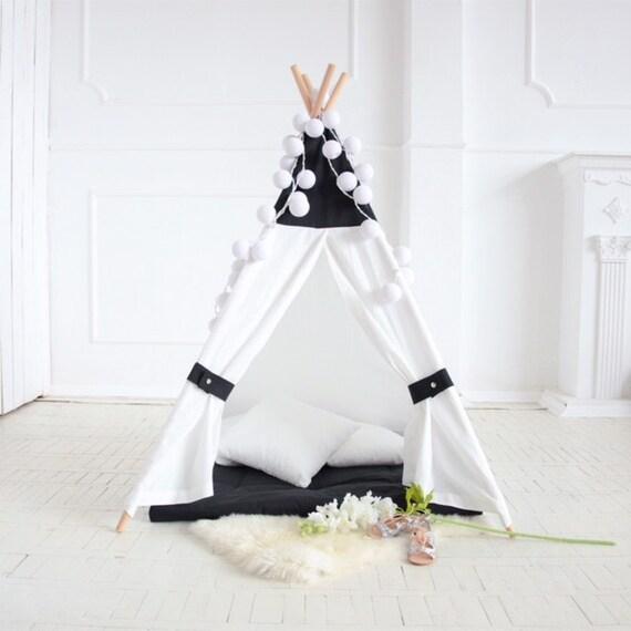 noir et blanc tipi tipi pour enfants enfants tipi tipi. Black Bedroom Furniture Sets. Home Design Ideas