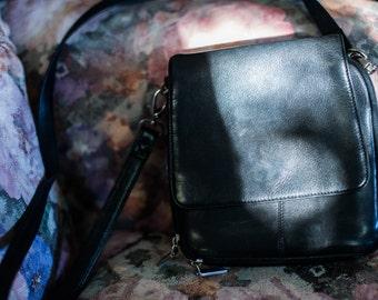 90s Black Vintage Leather Shoulder Strap Purse