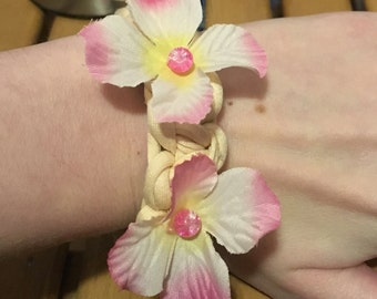 Pink and White Flower Bracelet