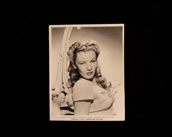 Veronica Lake Vintage Autographed Autograph Signed Hollywood Film Movie 8x10 Photograph Certified Authentic
