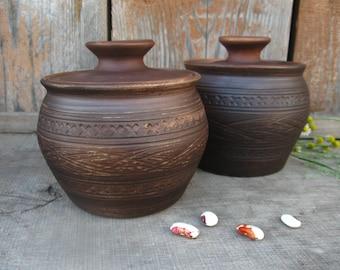 Ceramic pot with lid. Pot handmade