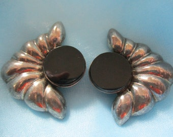 Vintage TL-41 Mexican 925 Silver and Black Clip on Earrings